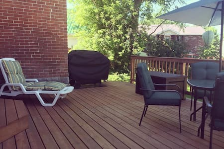 The Guest House, Chesterville - close to Ottawa! - Chesterville