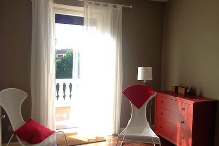 Villa, wifi, parking, 15 min beach! - San Sebastián - Villa
