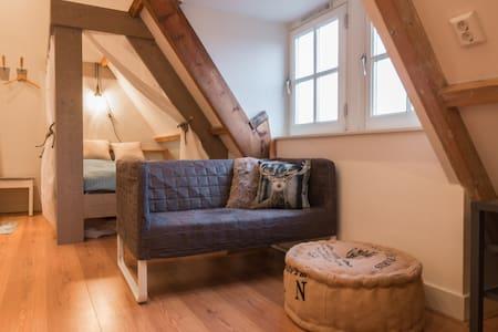 Romantic studio in heart of Jordaan