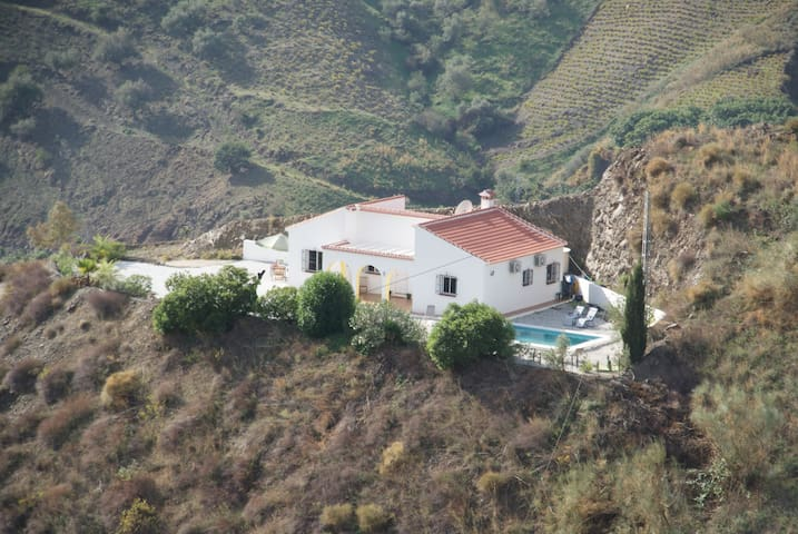 Beautiful villa with pool - LAST MINUTE OFFER - Almachar - Vila