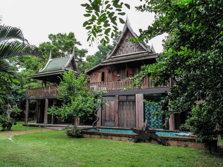 Nostalgic Thai House - The Villa