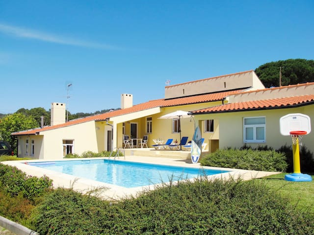 Holiday home in Afife w/ lovely pool area