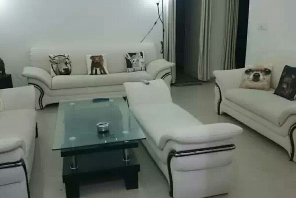 Rooms For Rent In Noida For Family