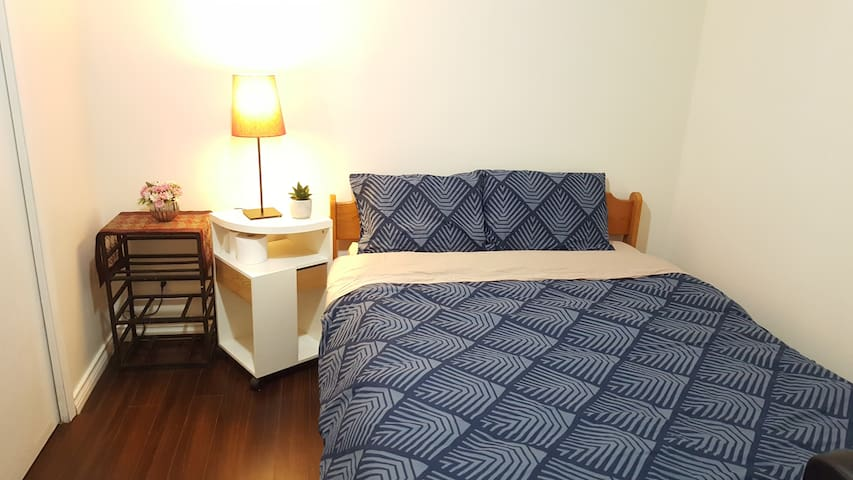 Central Location,Spacious and Quiet 2 Bedrooms