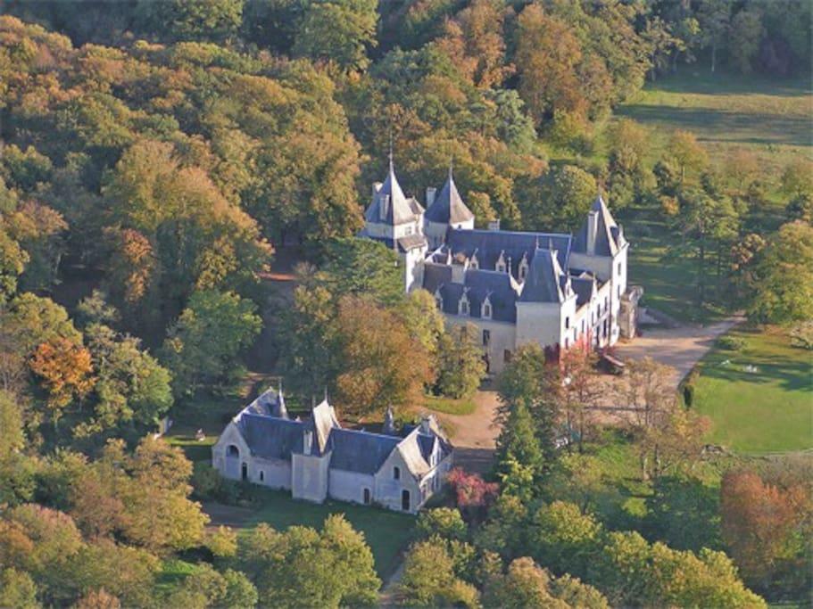 Château de Ternay vue du ciel