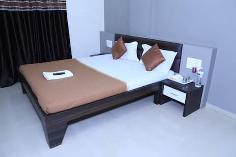 Om Executive Lodge,Ichalkaranji Deluxe Room Non Ac