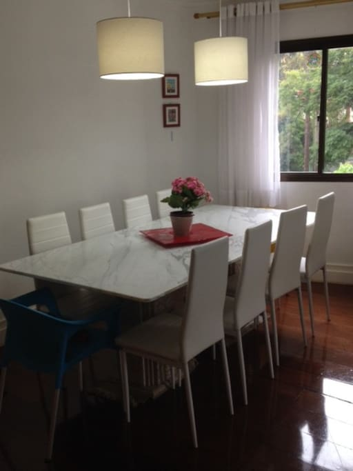Mesa de jantar para 10 pessoas
