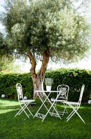 Comfy Room in a bright Villa - Cagliari - Villa