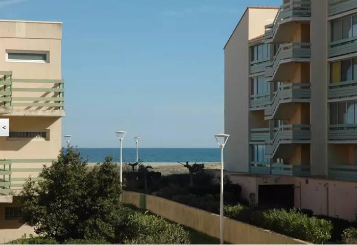 Appartement vue MER à quelques pas de la plage