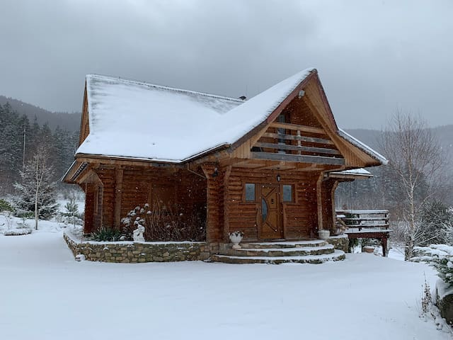 Dom w Górach Stołowych, MyWeek