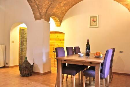 Typical Italian Village Home - Corfinio - 独立屋