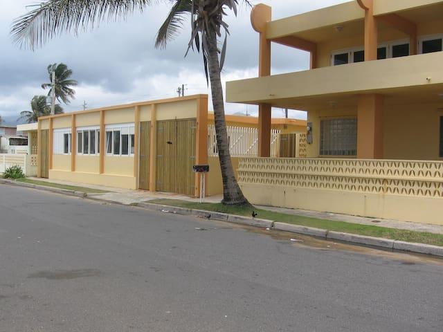 Beachfront 3-Bedroom Vacation House