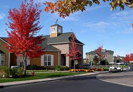 2 Bedroom Town home, Wonderful amenities! Woodbury - 伍德伯里(Woodbury) - 公寓