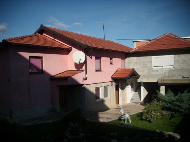 Family house just for you ! - Međugorje - Aamiaismajoitus