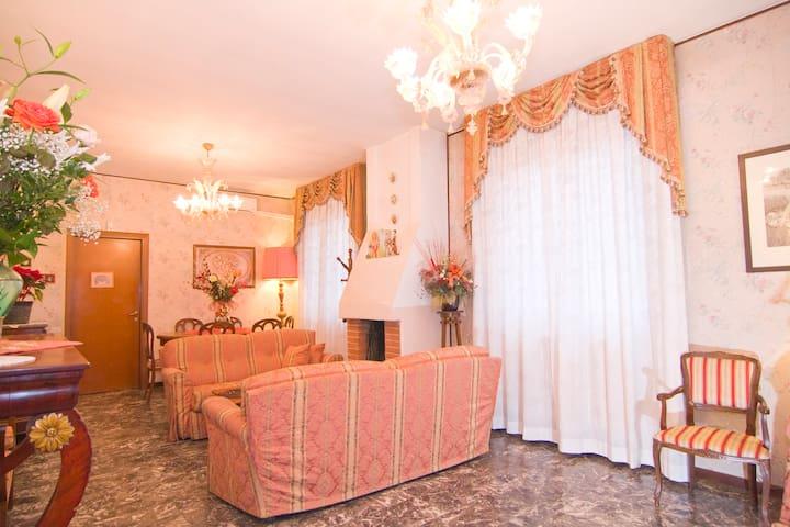 Villa Sereny B&B Camera Singola - Trezzano Sul Naviglio - Bed & Breakfast