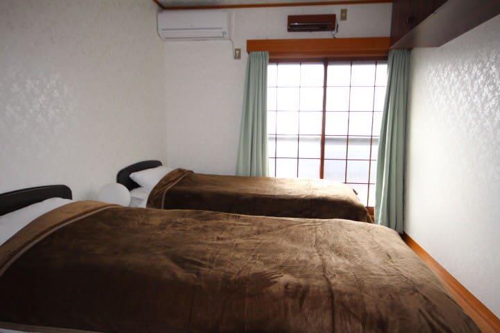 2階の洋室:ベッドルーム