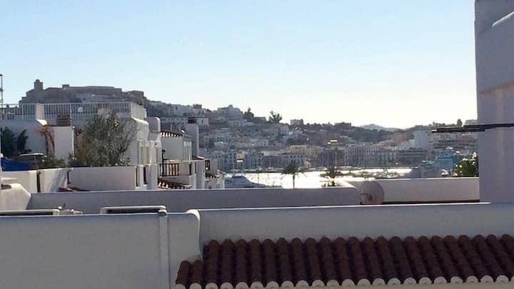 Habitación con jacuzzi en Marina Botafoch (Ibiza)