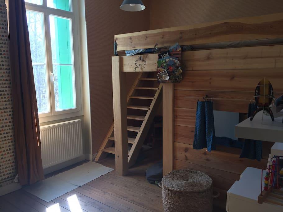 Chambre 3  : 2 lits 90x190 et 1 lit sur la mezzanine 160x200
