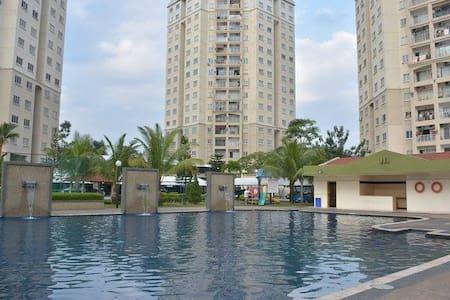 Senyum Homestay - Bandar Menjalara, Kepong, KL - クアラルンプール - アパート
