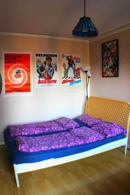 Doppelbett mit 1,40 m Breite