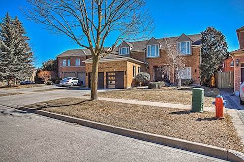 PURE LUXXURY HOME IN MILL POND COMMUNITY