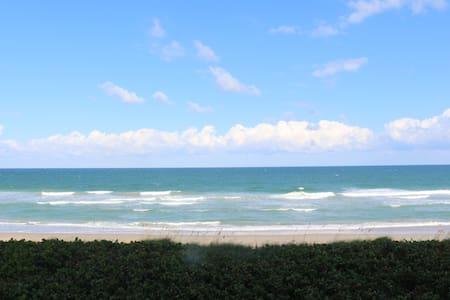 Luxury beachfront! 1 mo. min stay - Jensen Beach - Appartement