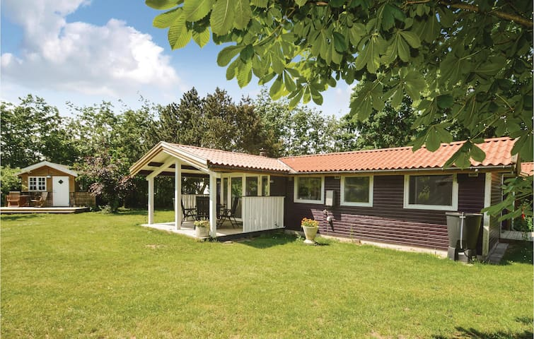 Holiday cottage with 4 bedrooms on 50m² in Vordingborg