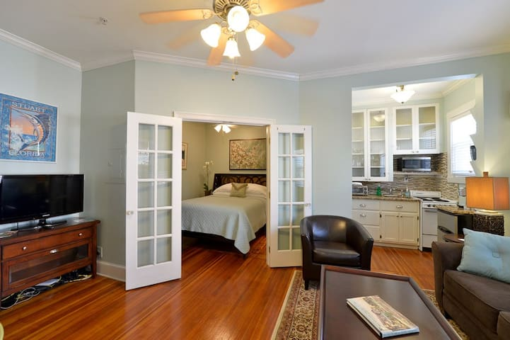 Luxury Suite w/ Queen (Room 9) at Old Colorado Inn
