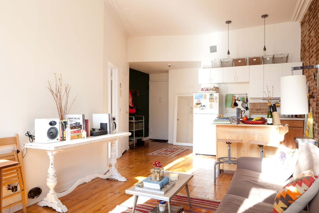 Bright Quiet 1BD in the Heart of BK