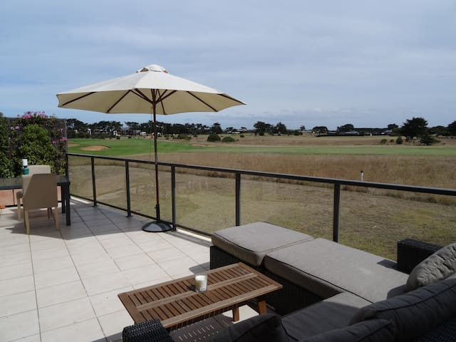 Contemporary Beachside Apartment - Barwon Heads