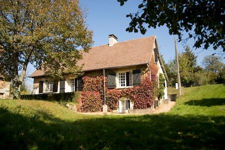 historische boerderij & authentieke schuren privé - Château-Chervix