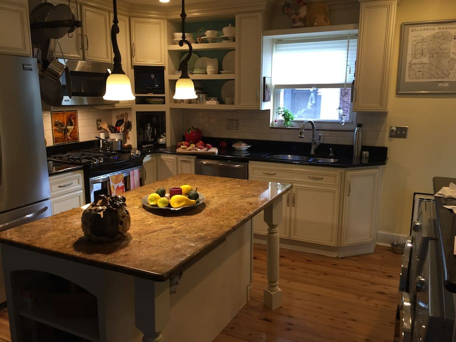 House kitchen to warm up your take out left overs or make your breakfast.
