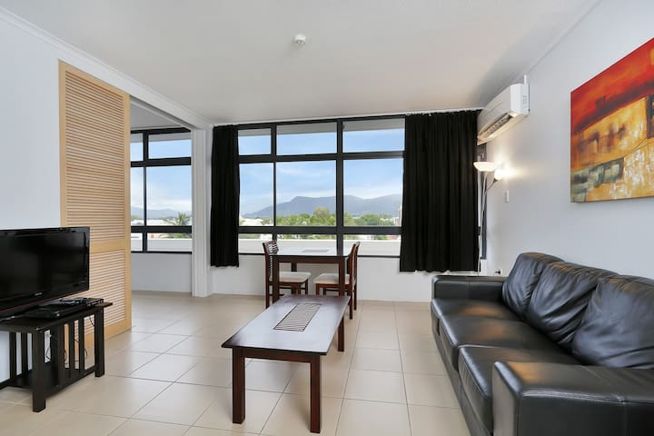 Sunshine Towers One Bedroom - #407 - Cairns - Appartamento