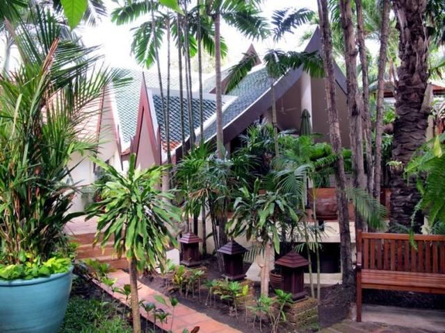 The Three Elephants - Pattaya - House