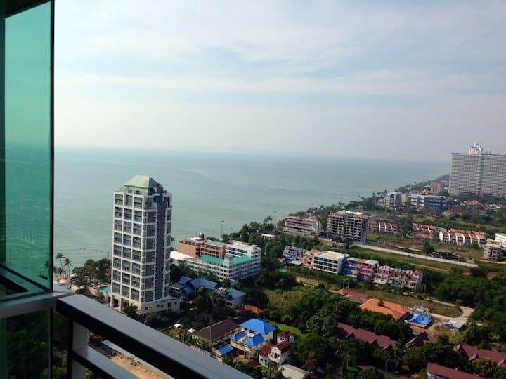 Jomtien Top Floor Amazing Sea View