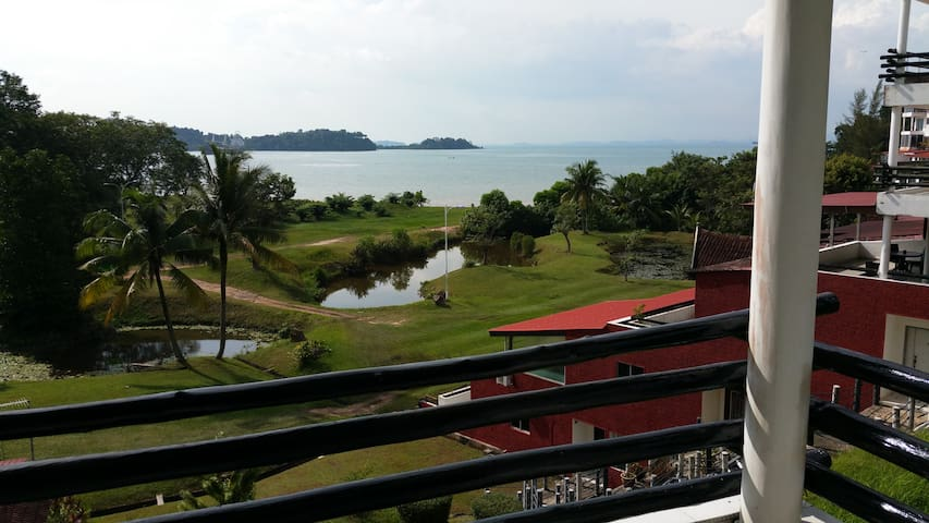Batam Seaside Holiday Home