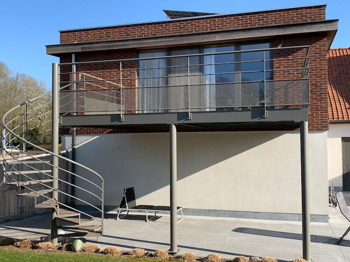 Inkendaal modern flat with terrace