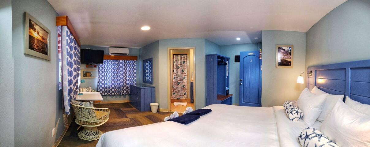 Hummingbird Suites Maya Beach-Comfort King Room 4