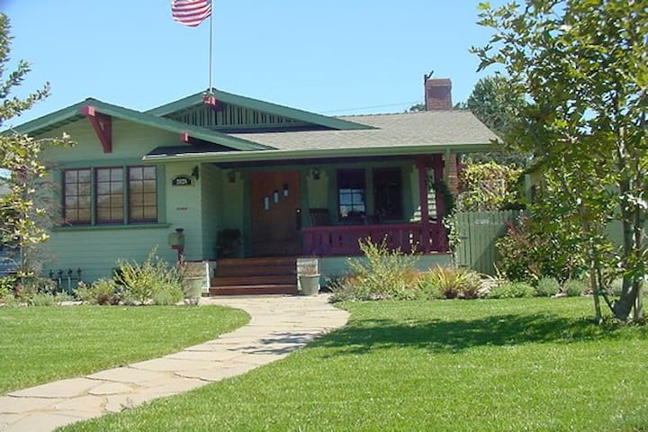 Stay in Historic Craftsman Bungalow