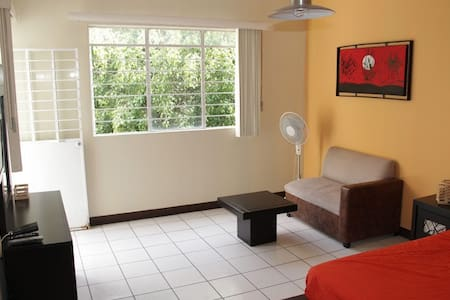 Room type: Private room Bed type: Real Bed Property type: House Accommodates: 2 Bedrooms: 1 Bathrooms: 2.5