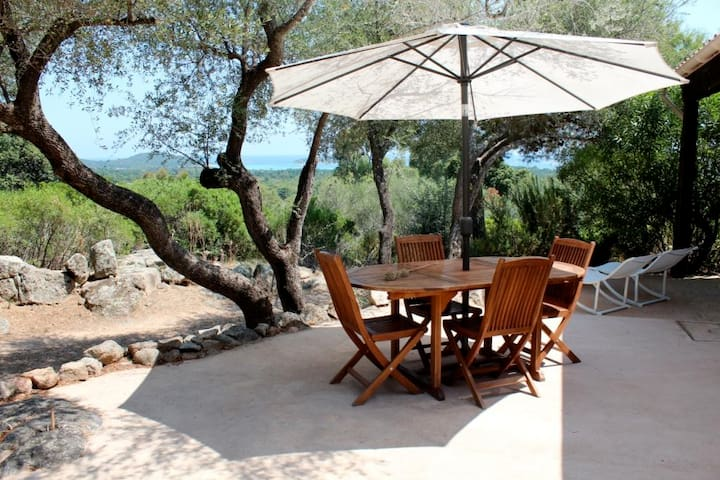 Porto Vecchio, mini villa with sea