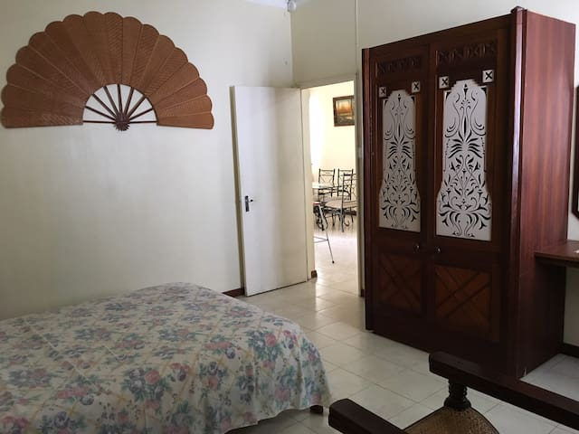 Spacious, Accessible and Calm apt 3 mins from sea