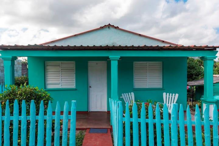 Casa Edel en Viñales (Habit. 1)+ 2 hour WIFI free