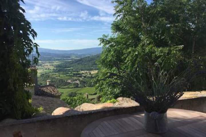 Chez Marius vue panoramique sur Luberon