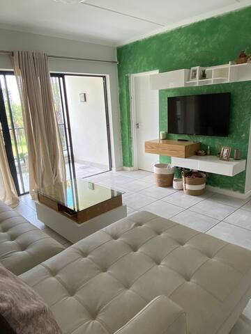 Private Room in Central Location, Midrand