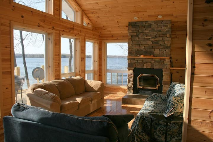 Loon Lodge Waterfront Retreat - Miller Lake - House