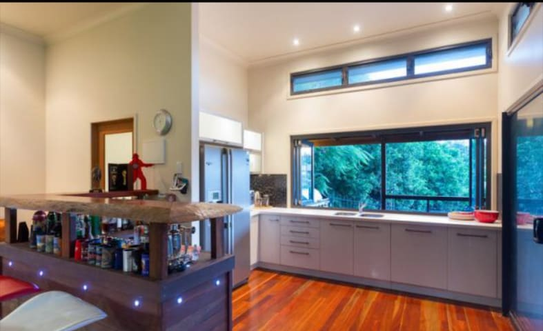 Kitchen, with Coffee Machine, Grinder, Kettle, Toaster, selection of teas. Cooking Pan available. BBQ outside.