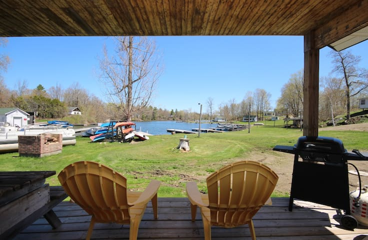 Sunny Acres Rustic 1 Bedroom on the Rideau Canal