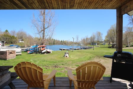 Sunny Acres Rustic Cabins on the Rideau Canal