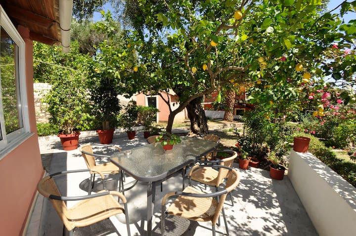 Villa Thalia,Paleokastritsa,100 mts from the sea